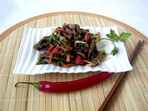 Салат з язика з сочевицею