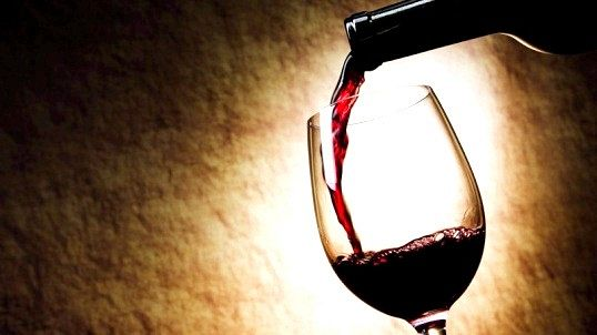 Скільки вина наливати в великий келих