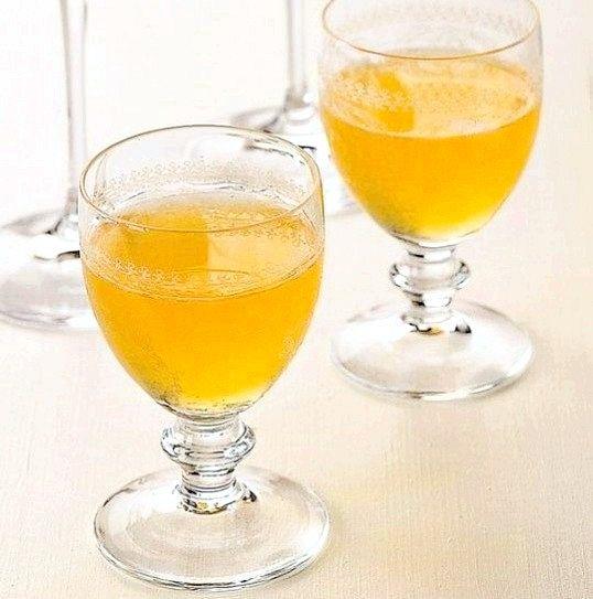 Порада 1: рецепт абрикосового лікеру