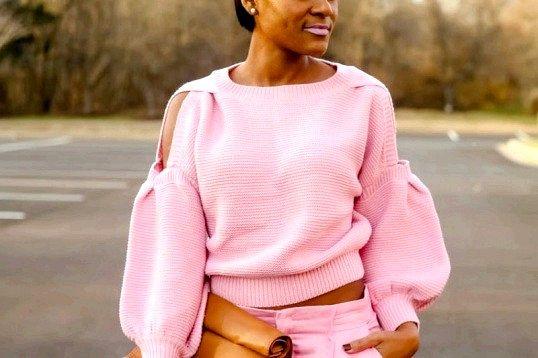 Порада 1: з яким кольором поєднується рожевий в одязі