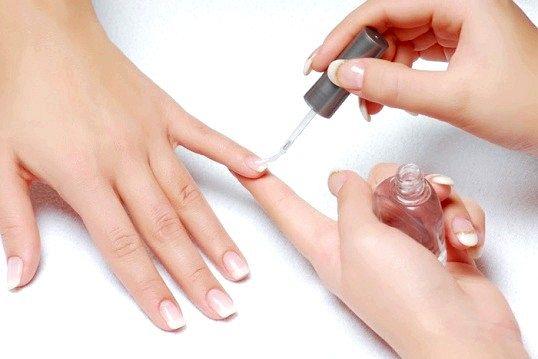 Способи відновлення нігтів після нарощування