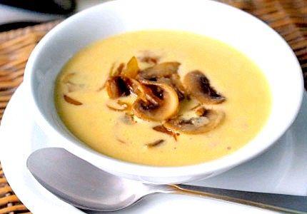 Суп з грибами та сиром