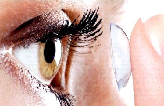 Чи існує шкода від контактних лінз