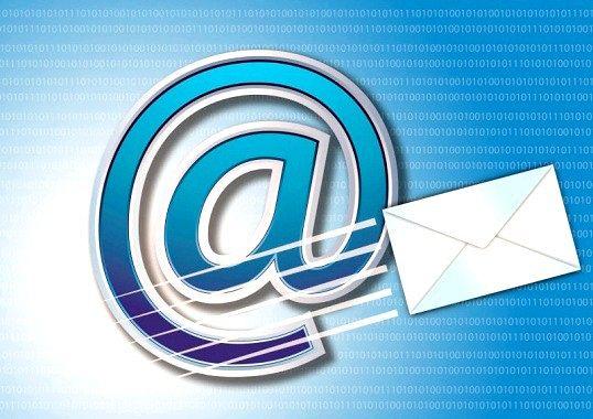 У чому відмінність пошт gmail.com від gmail.ru