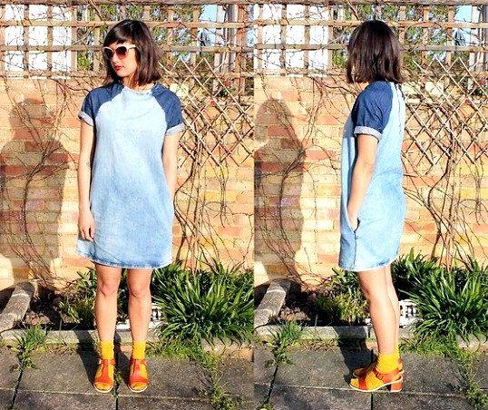 У моді чи зараз сукні та сарафани з джинса