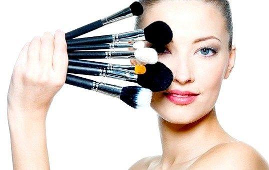 Всі про макіяж: як фарбуватися